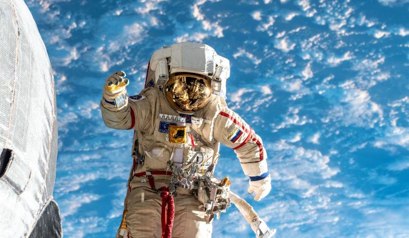 Диктант из космоса и про космос