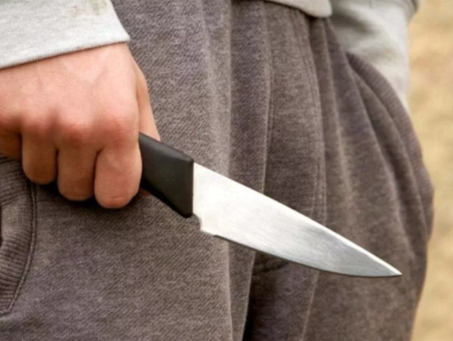В школу с ножичком